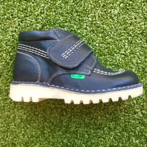 Andanines boys navy blue leather ankle boots.