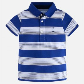 Soft polo-shirt, in fine jersey, combined with twill details. Ribbed elastane collar. Button fastening with 3 white buttons. Motif embroidered on one side of the chest. Short sleeves finished in elastane cuff. Decorated by thread stitching according to th