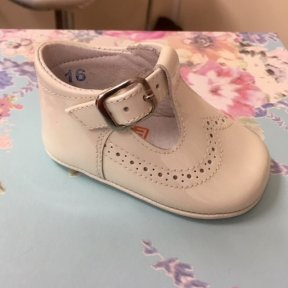 Andanines soft leather pram shoes