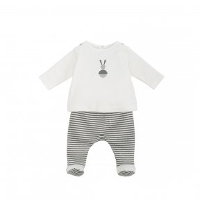 Laranjinha 2 piece outfit. Smooth cotton jersey top with design on the front, fastens at the back with poppers. Double cotton jersey trousers with elastic waistband. Decorative mother-of-peal buttons. AW18 18476