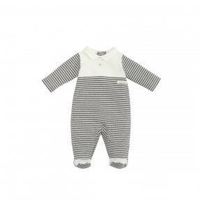 Laranjinha grey & cream cotton jersey babygrow with smooth cotton jersey chest, collar and feet details. It fastens at the back and between the legs with poppers. Decorative mother-of-peal buttons. AW18 18479