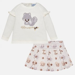 Mayoral baby girls ivory top and grey skirt set. The top has a fluffy squirrel appliqué  and popper fastenings. The cotton skirt has a woodland creatures print and adjustable waistband. A/W18 2958