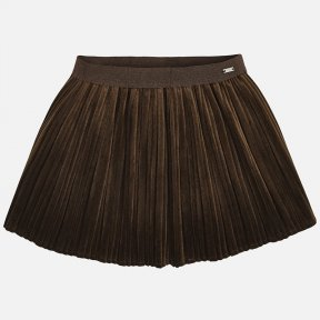 Mayoral mini mocha short skirt for girls with an elasticated waistband for a better fit. It has a pleated design and is made from velvet fabric. A/W18 4920