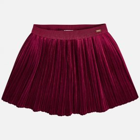 Mayoral mini raspberry short skirt for girls with an elasticated waistband for a better fit. It has a pleated design and is made from velvet fabric. A/W18 4920