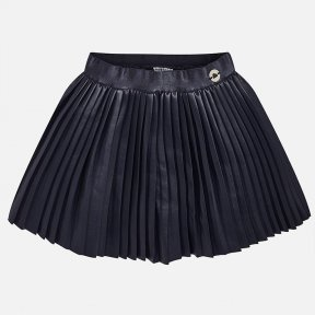 Mayoral mini navy blue short skirt with an elasticated waistband for a better fit. It has a pleated design and is made from a leatherette material with an inner lining. A/W18 4922