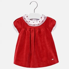 Mayoral red short sleeved dress with embroidery for baby girl. This dress has a round neck collar with ruffles and embroidery in a contrasting material and colour, it has a zip fastening to the back. The dress is made from soft, high quality corduroy fabr