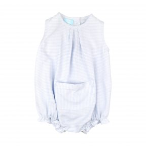 Floc Baby blue and white striped romper, pocket on the front, elastic on the legs for comfort. Made of soft and lightweight cotton, button fastening down the back and between the legs for easy changing. SS19 368533
