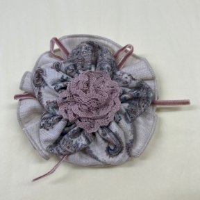 Babine hair clip, beige, paisley print, rose pink lace 2112942